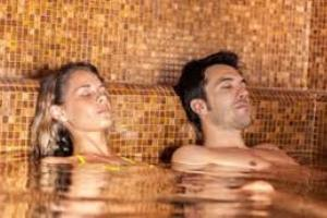 Spa Day – Romantico Relax Naturale camera Kit Spa  Montegrotto Terme € 49,50